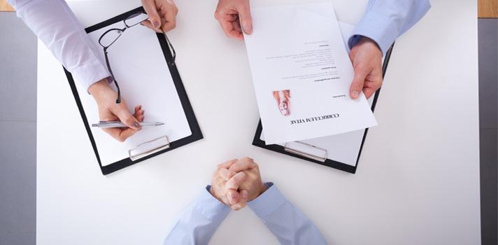 Además de prepararte la entrevista profesionalmente, practica también tus respuestas de ámbito personal