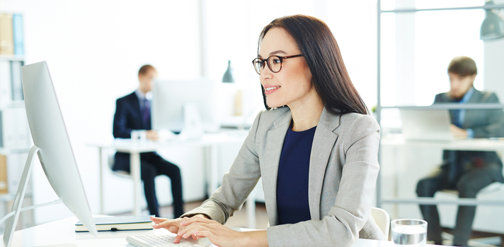 El sueldo de un desarrollador web con un año de experiencia es de alrededor de 26000€ anuales