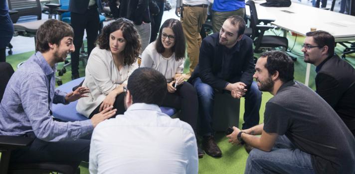 Santander lanza Explorer 'Jóvenes con ideas' con 83.000 euros en premios y 1.000 plazas para emprendedores españoles