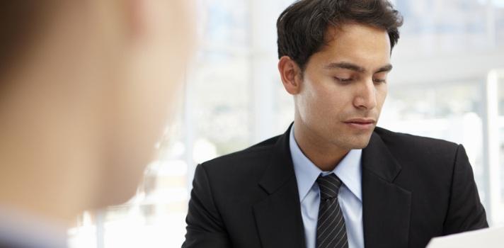 ¿Hablar de horario en una primera entrevista de trabajo?