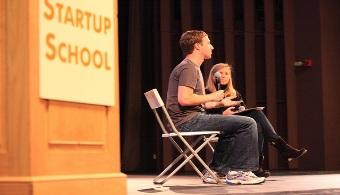 Mark Zuckerberg habla en la Startup School de Stanford University