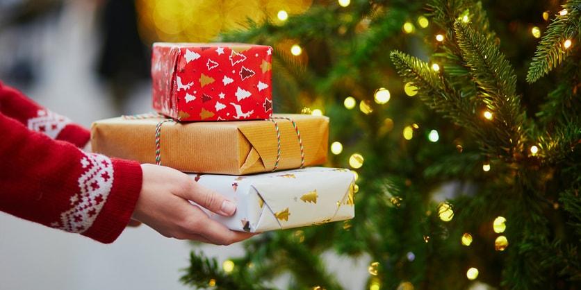 Enviando Uma Mensagem De Natal E Ano Novo Para Clientes