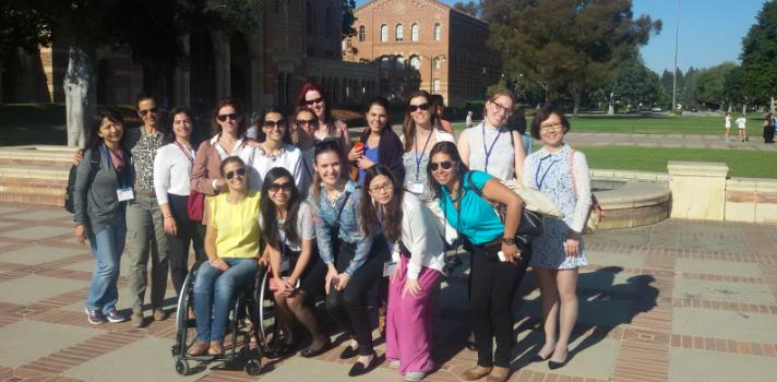 Santander Universidades promueve la formación académica y empresarial de mujeres líderes en UCLA