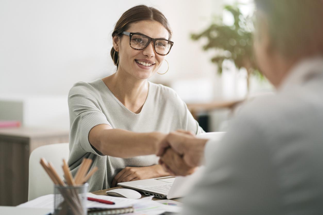 Cómo usar los listados de empresas para hallar el lugar adecuado para trabajar