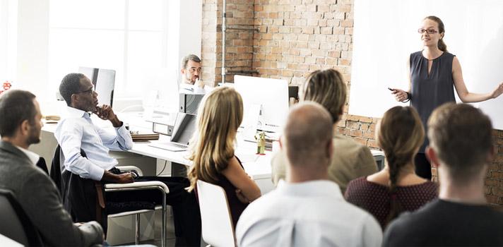 <p>En su portal de empleo, el <strong>FBI</strong> anunció la apertura de una <strong>oferta de trabajo</strong> para ocupar el puesto de <strong>Office Services Supervisor</strong> en sus oficinas de <strong>San Juan</strong> que estará abierta <strong>hasta el 20 de abril</strong>.</p><div class=lead><h3>Guía para superar con éxito un proceso de selección</h3><img src=https://imagenes.universia.net/gc/net/images/negocios/g/gu/gui/guia-para-superar-con-exito-un-proceso-de-seleccion.jpg alt=title= class=alignleft/><p>Una completa guía sobre todo lo relacionado con el acceso a un puesto de trabajo, desde la elaboración de un CV hasta los tipos de entrevistas</p><div class=clearfix></div><p><a href=/downloadFile/1144656 class=enlaces_med_registro_universia button button01 title=Guía para superar con éxito un proceso de selección onclick=ga('ulocal.send', 'event', 'DescargaFicherosBajoLogin', '/net/privateFiles/2016/9/17/ebook-universia-peru-1-.pdf' ,'Paso1AntesDeLogin'); id=DESCARGA_EBOOK rel=nofollow>Guía para superar con éxito un proceso de selección</a></p></div><p>La oferta es para desempeñarse a tiempo completo, de lunes a viernes y en el horario de 8:15 a 17 horas con un<strong> salario anual que ronda entre los $49,765 y los $71,247 según la escala salarial GS para los niveles 9 y 10</strong>.</p><p>El candidato seleccionado trabajará a prueba durante un año para luego ser asignado al puesto de supervisor.</p><p>Los nuevos supervisores del FBI deberán cursar en la ciudad de Washington el Programa de Desarrollo de Liderazgo (Leadership Development Program's), de 5 días de duración, antes de cumplir su año de prueba. En este curso aprenderán las competencias principales para desempeñarse en el cargo de supervisor y afrontar los desafíos que lo competen en su rol. Una vez seleccionado el candidato para el puesto se dará más información sobre este curso que se deberá realizar.<br/><br/></p><p><strong>Tareas para el puesto</strong></p><ul><li>Planificar el trabajo q