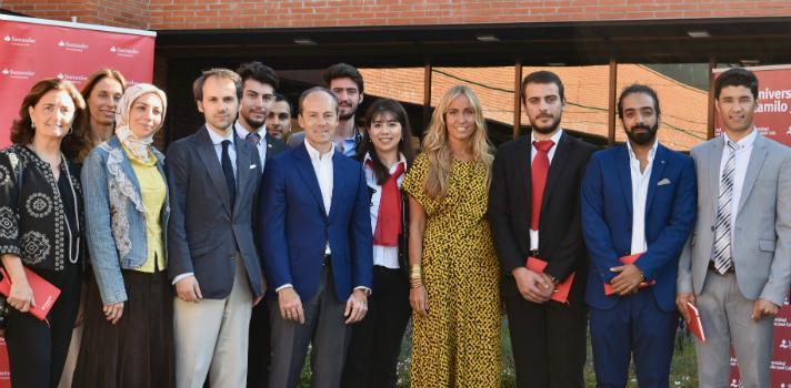 Los estudiantes del Proyecto Integra empiezan sus prácticas en Banco Santander