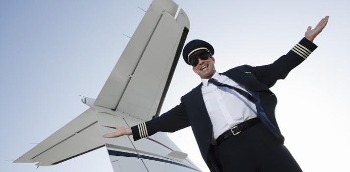 La carrera de piloto permite viajar por el mundo mientras se gana dinero