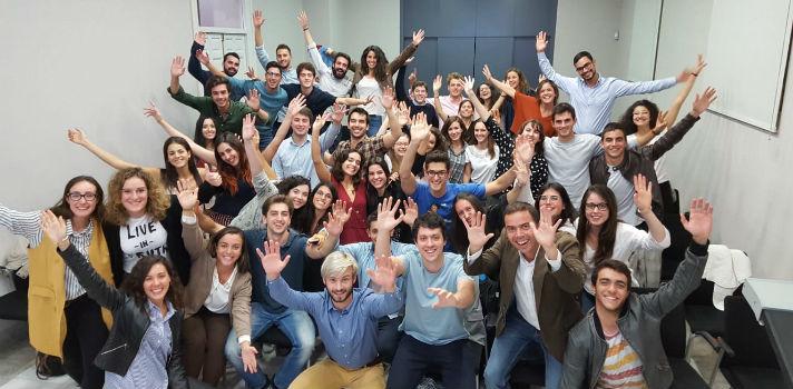 Factoría de Talento Adecco es un programa de desarrollo de talento joven donde les proporcionamos las herramientas que necesitan para impulsar su futuro