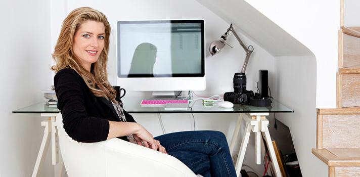 En la época actual el living puede convertirse en una perfecta oficina