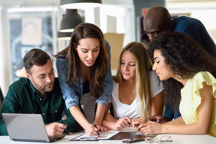 Trabajar en equipo: los beneficios de crear un equipo de trabajo
