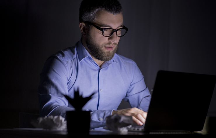 Trabalhar a noite afeta a saúde; Entenda