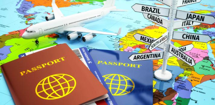 Pasaportes y billetes de avión