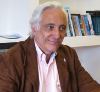 Lic. Ernesto Fernando