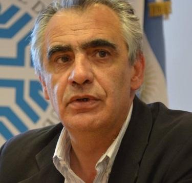 Lic. Gustavo Víctor