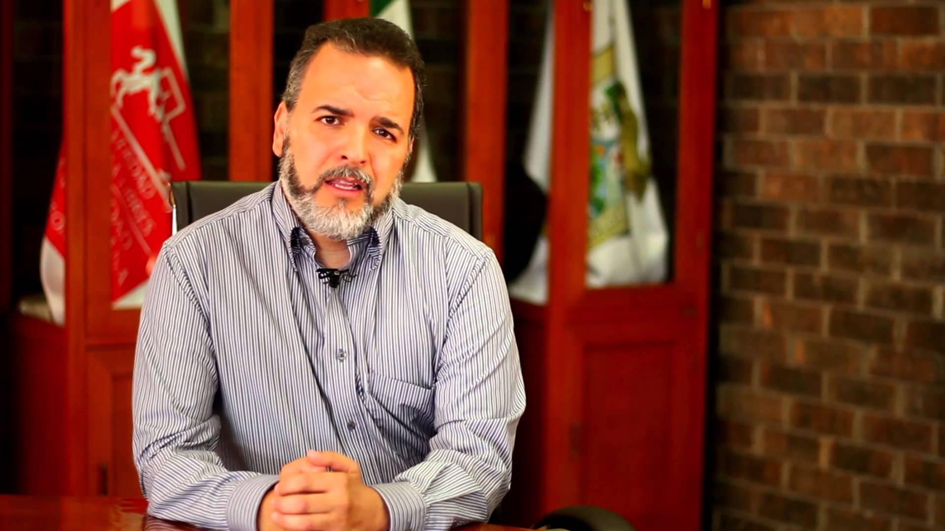 Mtro. Guillermo