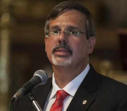 Dr. Luis Raúl