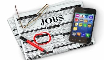 """<p style=text-align: justify;><strong>""""El Empleo en el Corazón del Desarrollo""""</strong> tiene como objetivo <strong>crear unos 200 mil empleos para todos los ciudadanos</strong> costarricenses durante el período de gobierno de Solís. De esta forma se podría<strong> reducir la tasa de empleo de un 8.5 a un 7 por ciento</strong>.</p><p style=text-align: justify;></p><p style=text-align: justify;></p><p style=text-align: justify;><strong>Lee también</strong></p><p style=text-align: justify;><br/><span style=color: #0000ff;><a style=color: #ff0000; text-decoration: none; title=Universia Costa Rica FACEBOOK href=https://www.facebook.com/universiacostarica><span style=color: #0000ff;>» <strong>Universia Costa Rica FACEBOOK</strong></span></a></span></p><p style=text-align: justify;><br/><a style=color: #ff0000; text-decoration: none; title=Visita nuestro portal de BECAS href=https://becas.universia.cr/CR/index.jsp>» <strong>Visita nuestro portal de BECAS</strong></a></p><p style=text-align: justify;></p><p style=text-align: justify;></p><p style=text-align: justify;>Solís prometió específicamente <strong>217 mil puestos de trabajo</strong> que forman parte de una estrategia que apunta a tomar una <strong>nueva política económica para el país</strong>. Generar <strong>empleos justos para el trabajador y rentables para los empleadores</strong>.</p><p style=text-align: justify;></p><p style=text-align: justify;></p><p style=text-align: justify;>El ministro de trabajo, Víctor Morales, comentó que la estrategia no sólo genera puestos de trabajo sino que está pensada para <strong>favorecer a los sectores que se enfrentan a mayores dificultades</strong> a la hora de conseguir empleo, <strong>hogares monoparentales y jóvenes por fuera del sistema educativo</strong>.</p><p style=text-align: justify;></p><p style=text-align: justify;></p><p style=text-align: justify;>Esta política <em>""""debe venir acompañado a una sólida comprensión de que la eficiencia y la competitividad son eleme"""