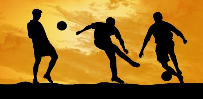 """<p>Tu <strong>pasión por el fútbol podría financiar tu educación universitaria</strong>. ¿Cómo? Participando del <strong>programa """"Tengo un sueño""""</strong>, una iniciativa conjunta de la <a title=Fundación Laureus España href=https://www.laureus.es/ target=_blank rel=nofollow> Fundación Laureus España</a> con la <a title=Fundación AGM href=https://www.agmfundacion.org/es target=_blank rel=nofollow> Fundación AGM</a>, que <strong>becará a dos jóvenes futbolistas españoles</strong> de escasos recursos para que se formen en una universidad de Estados Unidos.</p><div class=help-message><h4 style=text-align: center;>¡Anímate a Estudiar en Estados Unidos!</h4><h4><a class=enlaces_med_registro_universia button01 title=Regístrate. Es gratis href=https://www.agmeducacion.com/es/registro/universia target=_blank id=AGMSport>Solicita más información rellenando este cuestionario</a></h4></div><p>Los beneficiarios electos obtendrán una <strong>beca equivalente al monto suficiente para cubrir gastos tanto académicos, personales como deportivos</strong> durante los cuatro años que se extiende el programa.</p><p>El primer paso para ser seleccionado es asegurarte de<strong> cumplir con el siguiente listado de requisitos:</strong></p><p>• Tener nacionalidad española.</p><p>• Estar en el rango etario de los 17 y los 20 años de edad.</p><p>• Competir en la División de Honor Juvenil en el caso de los hombres o en la Primera División en el caso de las mujeres.</p><p>• No haber repetido ningún curso escolar.</p><p>• Disponer de una puntuación de 900 puntos en el SAT.</p><p>• Contar con un nivel medio-alto de inglés.</p><p>• Presentar carta o documentación que compruebe una situación financiera precaria.</p><p>Si cumples con todos los puntos anteriores, el siguiente paso es<strong> inscribirte antes del próximo sábado 30 de enero</strong>. Una tercera instancia consistirá en una entrevista con un jurado integrado por representantes de ambas Fundaciones, etapa a partir de la que resultarán l"""