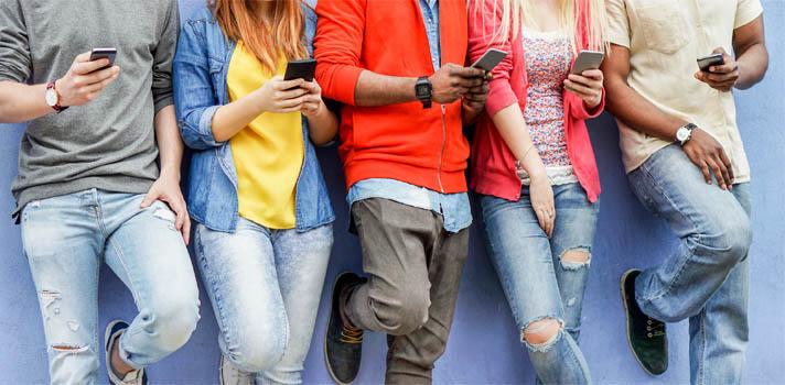 ¿Cuáles son los peligros de conocer a alguien a través de las redes sociales?