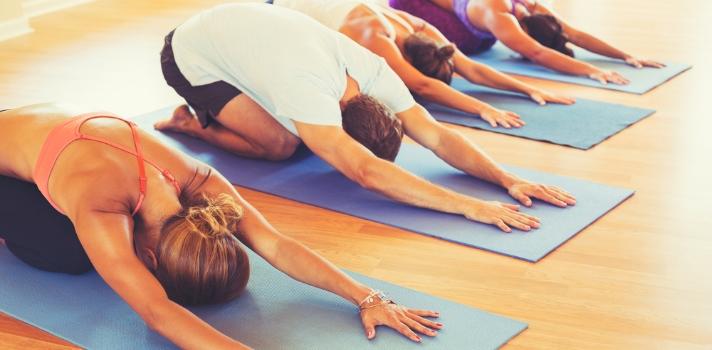 La nueva modalidad de practicar Yoga en la oficina o universidad