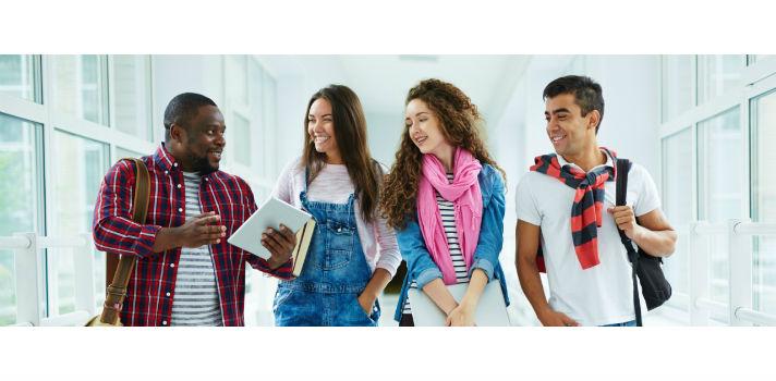 Aprovecha tu etapa universitaria para ampliar tus amistades y conocer gente nueva