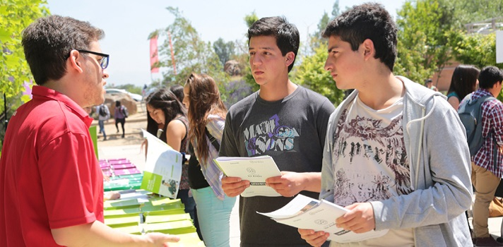 Universia entregará dos becas para estudiantes