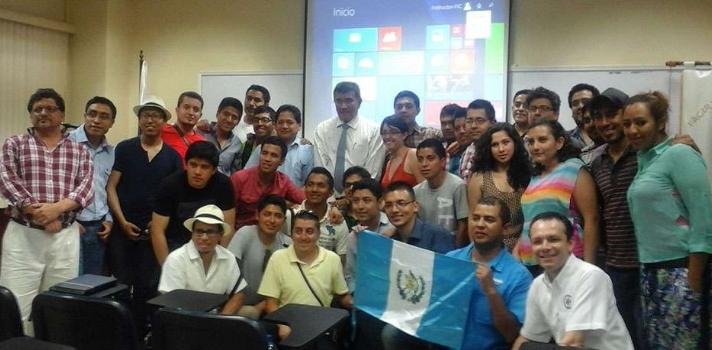 UTP recibe la visita de estudiantes guatemaltecos