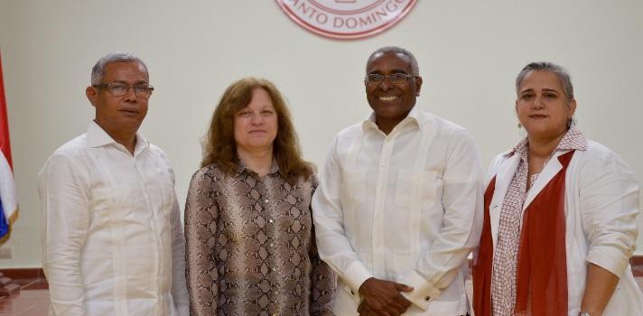 Científica dominicana recibe el Premio Profesora Investigadora del INTEC