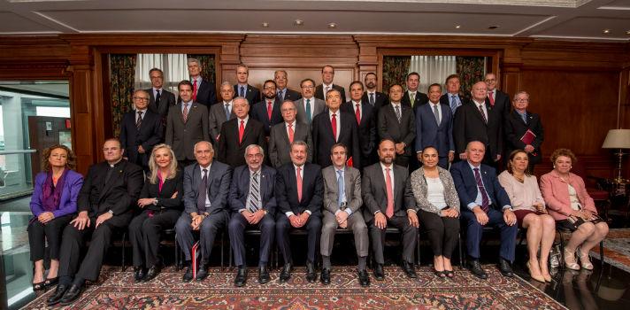 La reunión fue presidida por Marcos Martínez Gavica, Presidente del Consejo de Banco Santander y Universia, y Héctor Grisi, Presidente Ejecutivo de Banco Santander México