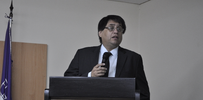 Vicerrector de la UCA presenta proceso de autoevaluación institucional
