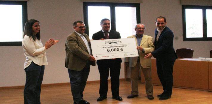 La Facultad de Informática de la UCM ganadora de la competición de concienciación de reciclaje Vidrio Fighters.